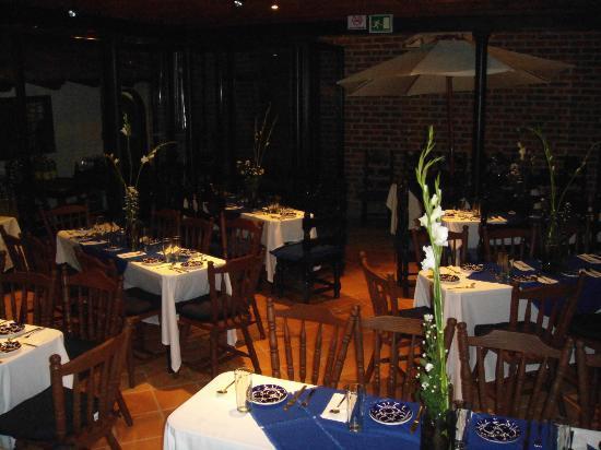 El nombre oficial es los pajaros azulejos por ello for Restaurante azulejos