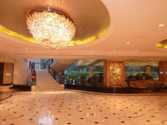 Shangri-La's Eros Hotel : hall