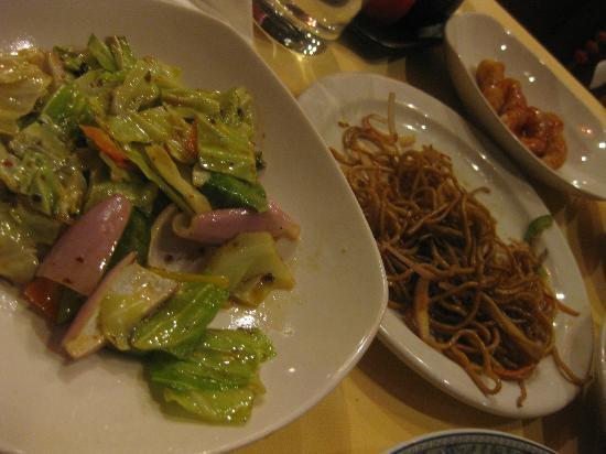Shanghai Cooking: yummy veggie and noodles