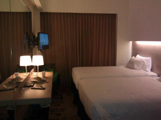 Double Beds Picture Of Hilton Garden Inn Rome Claridge Rome Tripadvisor