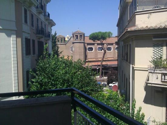 Hilton Garden Inn Rome Claridge: Room view