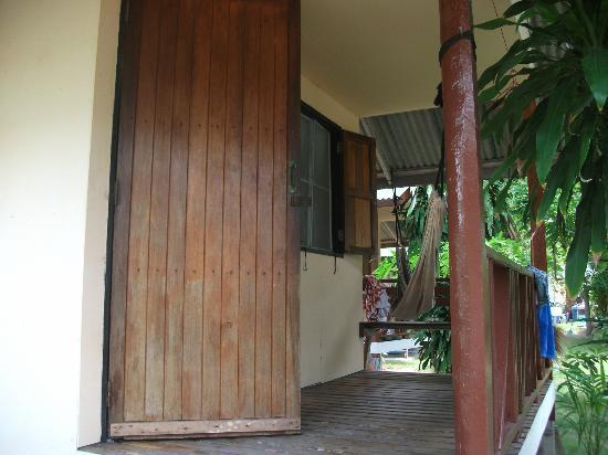 Phangan Villa Beach Bungalow: Our veranda