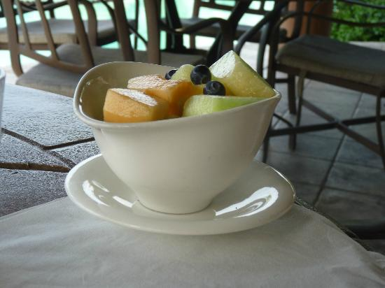 Grand Isle Resort & Spa: Fruit bowl at Pallapa's