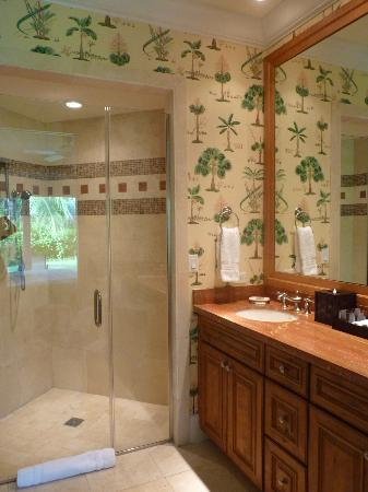 Grand Isle Resort & Spa: Master bathroom