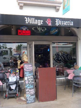 Village Pizzeria: Storefront