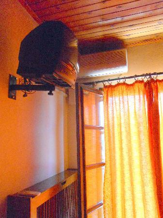 Hotel Kouros: tv e climatizzatore
