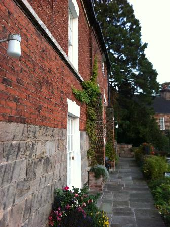 The Malthouse B&B: The Malthouse - Entrance Side