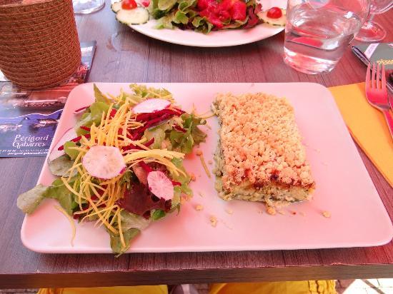 Côté Noix: crumble de chèvre chaud et salade