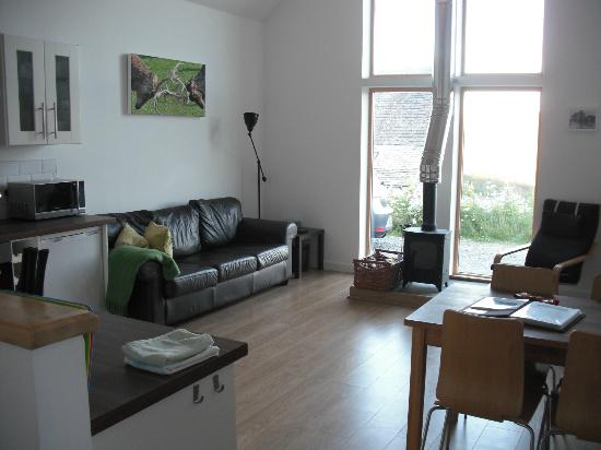 Balneden Steading: The living/dining/kitchen. Clean, bright and comfortable.