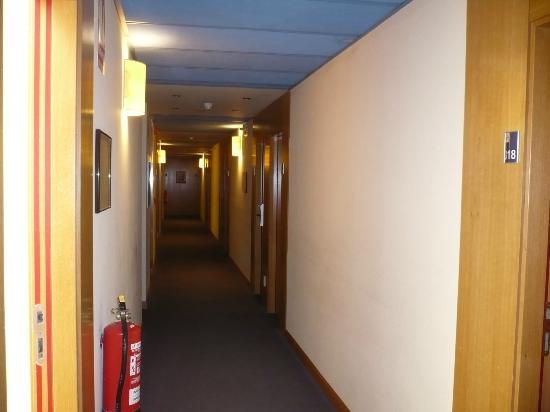 Hotel NR Noain - Pamplona: Pasillos