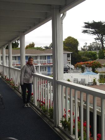 Monterey Bay Lodge: Dal ballatoio dell'hotel