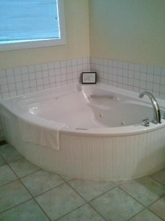 Calabogie Highlands Golf Resort : Jacuzzi Tub