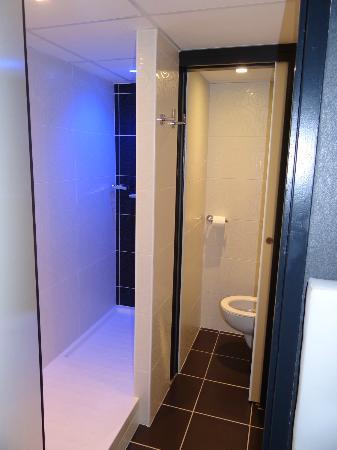 Hotel Le Quercy : Salle de bain