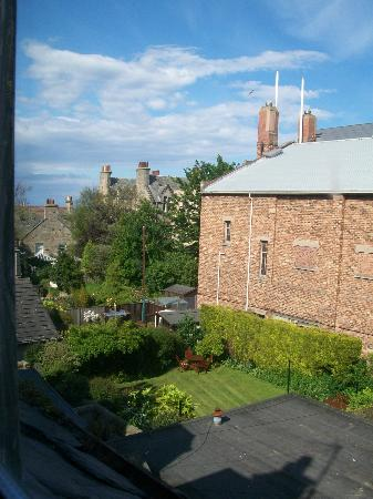 Craigmore Guest House : Blick in den Garten