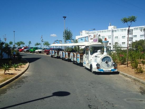 Alvor Baia Hotel Apartamento: Hotel train that goes to the local beach
