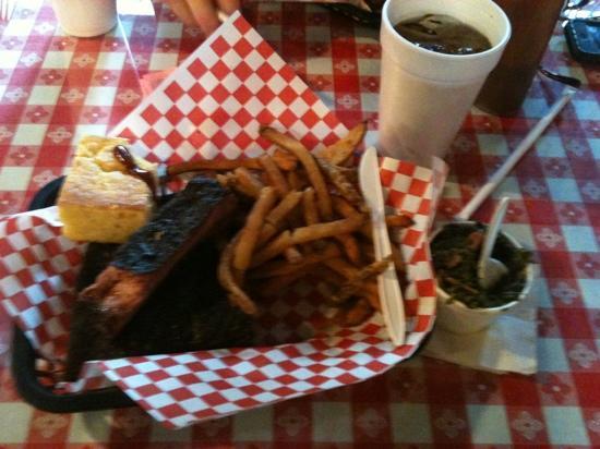 Boney's BBQ Restaurant: ribs and fries