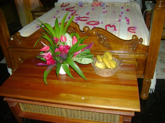 Fond Doux Plantation & Resort: Basket of fruit bananas and bread fruit