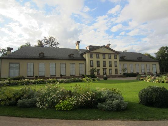Parc de l'Orangerie : The house in the middle of the garden