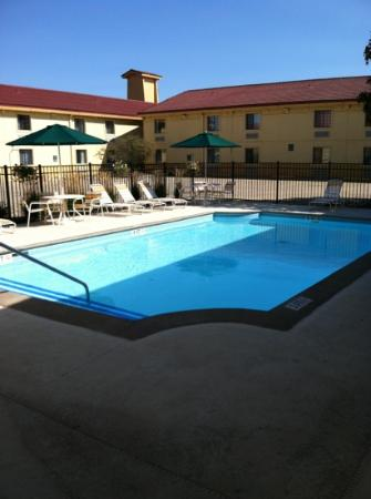 La Quinta Inn Champaign: pool side