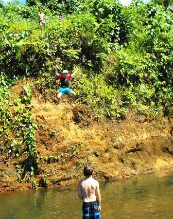Naveria Heights Lodge Tours: River Tubing