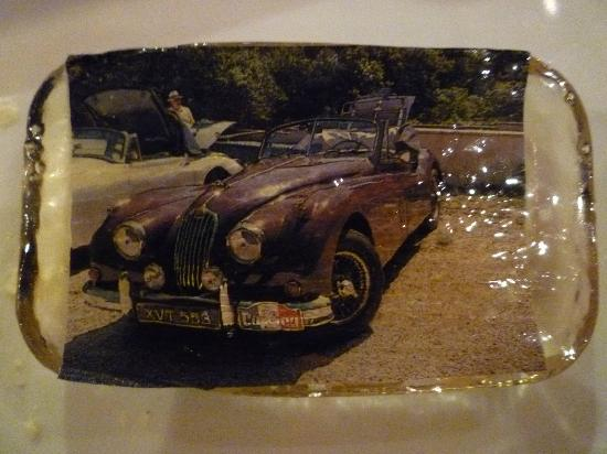 Hostellerie du Val de Sault: A Photo of one of our cars beneath a layer of sugar