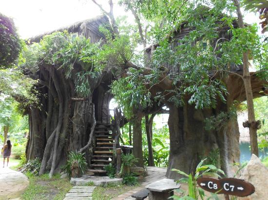 Kor Sor Resort & Spa: tree rooms