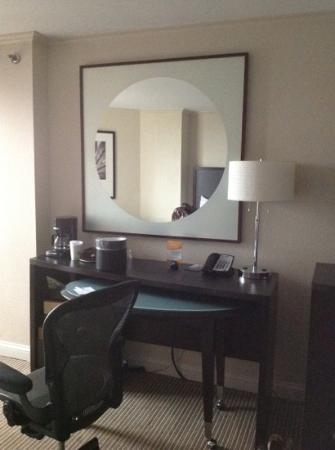 Hilton Orlando Buena Vista Palace Disney Springs: the work desk
