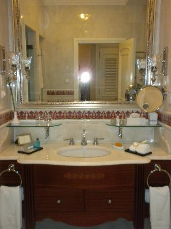 Marble bathroomsPicture of The RitzCarlton Istanbul Istanbul
