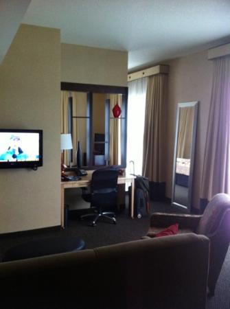 Cambria Hotel & Suites: SUITE room!
