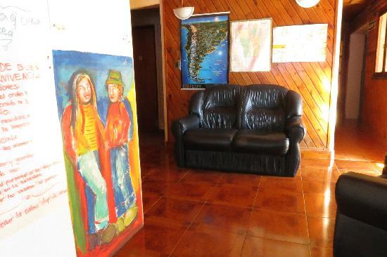Merlo Hostel: Living