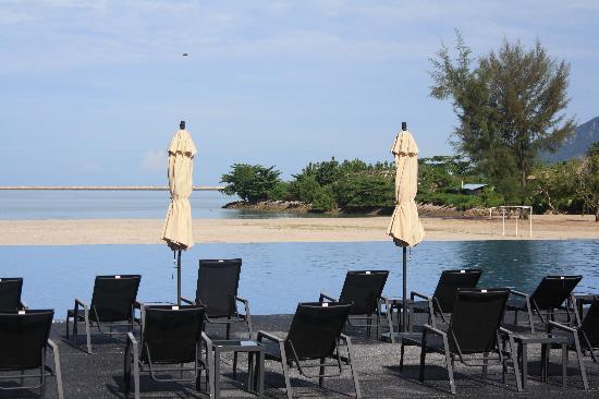 Century Langkasuka Resort: piscina a sfioro