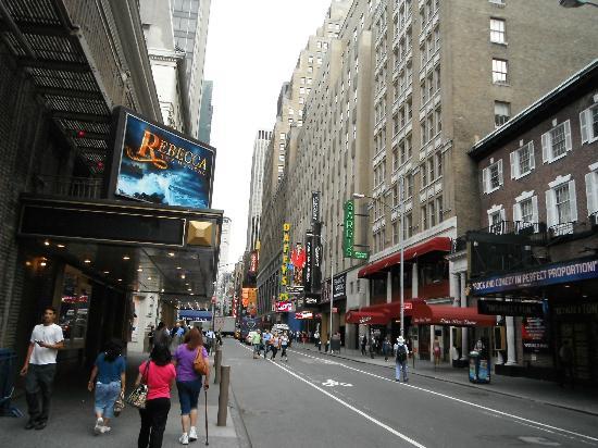 Comfort Inn Times Square West: Vue de la rue tout près
