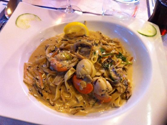 Chez Italo: coquilles saint jacques ... hummm
