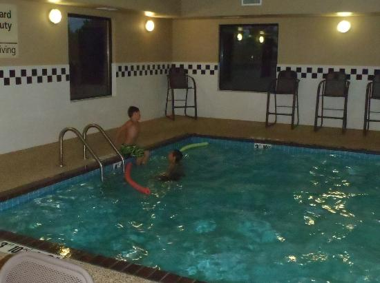 Hampton Inn Mitchell: Cold pool