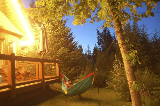 Wing Creek Resort: Sunset in the hammock