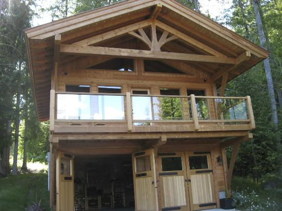 Wing Creek Resort : Timber tool shed