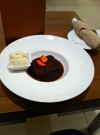 Hilton London Canary Wharf: dessert!! yum!!!