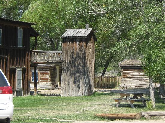 Alder Gulch Railway: 2 Story Outhouse