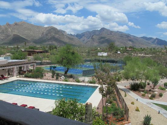 Westward Look Wyndham Grand Resort and Spa: lap pool and tennis courts