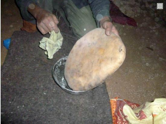Zagora Markets: Le pain de sable  - copyright EM