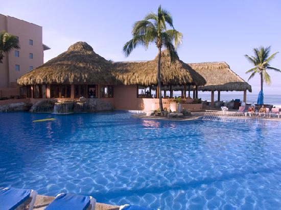Torres Mazatlan Resort : Pool