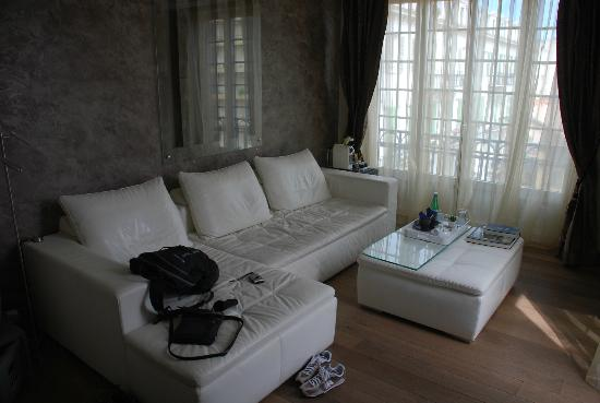 Le Dortoir: Sitting area within Longani Suite - best WIFI signal here