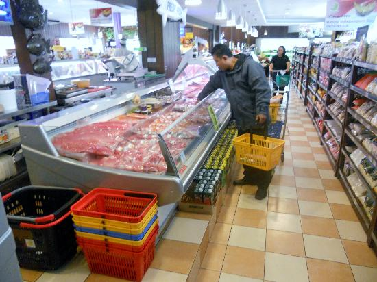 Bali Deli: all sorts of fish and meats