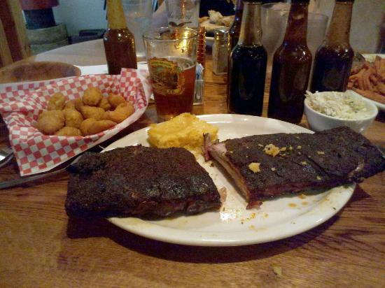 The Towne Tavern : Awesome ribs!