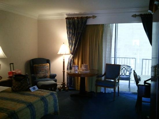 Town and Country San Diego: Room 1528 pic 3