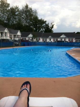 Littleton Motel: view from the pool