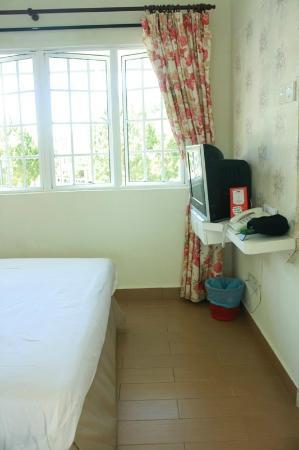 Puncak Inn: Standard Room kinda small