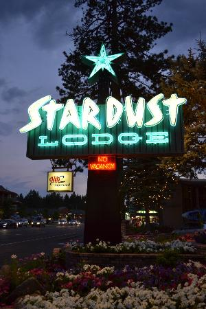Stardust Lodge: The sign was awesome!