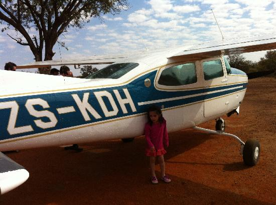 Royal Madikwe Luxury Safari Lodge : Our little chartered plane out of Madikwe to Jo'burg