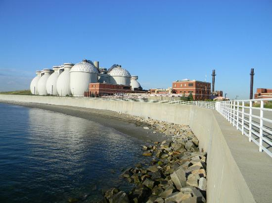 Deer Island HarborWalk: Harborwalk around treatment plant